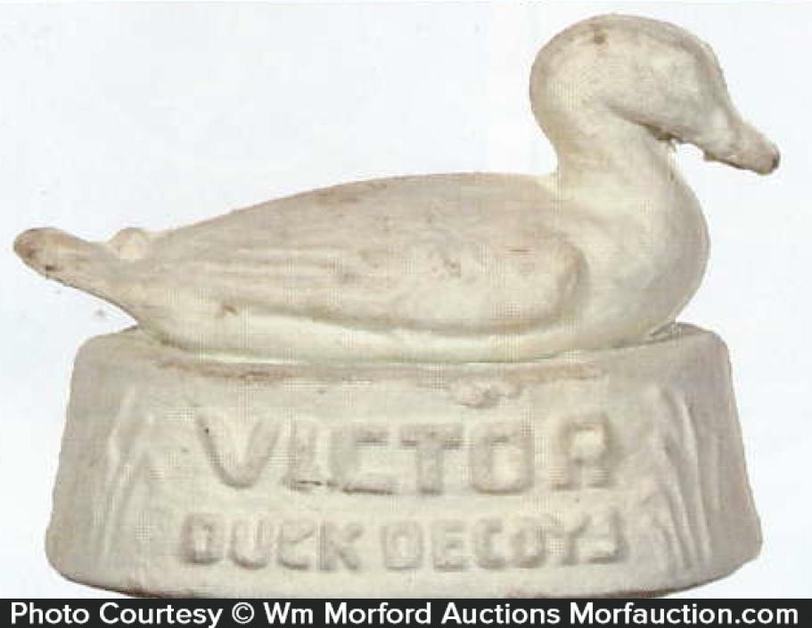 Victor Duck Decoys Display