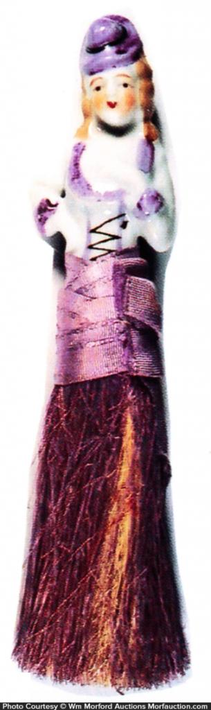 Mae West Broom