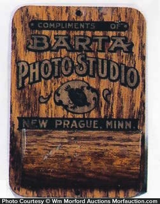 Barta Photo Studio Match Holder