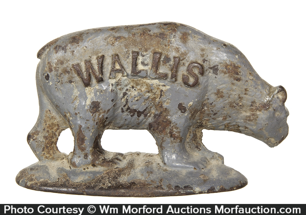Wallis Figural Bear Paperweight