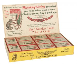 Minkey Links Chains Display Box